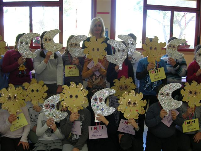 Il carnevale nella scuola primaria di cinquina istituto for Cartelloni di carnevale scuola primaria